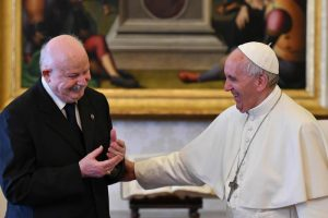 epa06045187 Pope Francis (R) receives the Grand Master of the Sovereign Military Order of Malta, Giacomo Dalla Torre del Tempio di Sanguinetto during a private audience at the Vatican, 23 June 2017. EPA/ALBERTO PIZZOLI / POOL