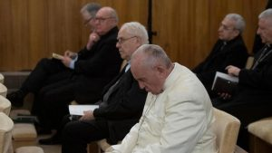 67ddef12-4556-11e9-a48f-e8a9e82a7782_The Pope and the Curia during the Spiritual Exercises in Ariccia